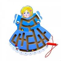 Лабиринт магнитный куколка в синем